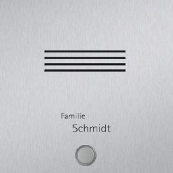Detailansicht stainless steelklingel mit Sprechanlage und Beschriftung